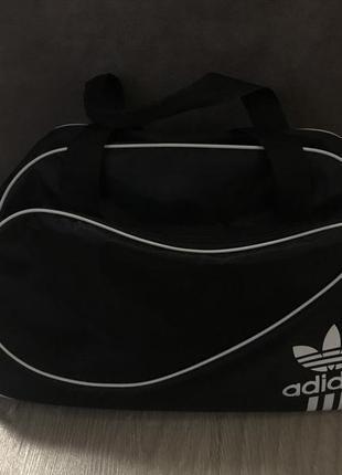 Спортивная сумка adidas дорожняя