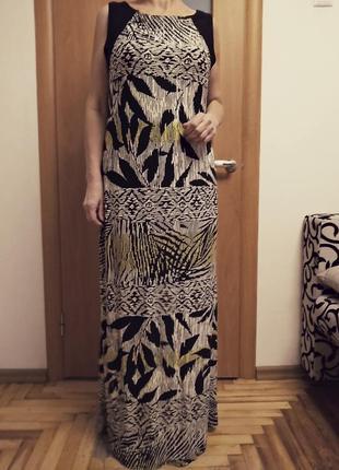 Хорошенькое трикотажное цветное платье. размер 16