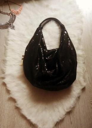 Средняя вместительная черная сумка в пайетках шоппер блестящая короткие ручки блестки