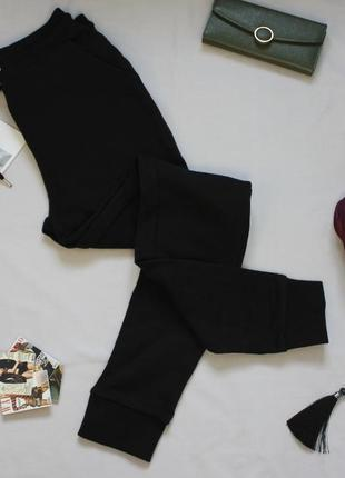 Чёрные спортивные штаны джогеры/терники размер с