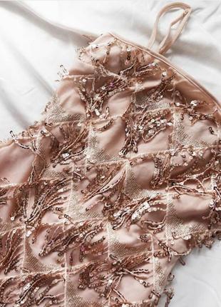 Бежева сукня в паєтку