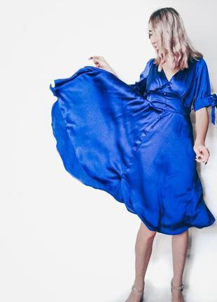 Стильное ,нарядное ,атласное платье на нг👗