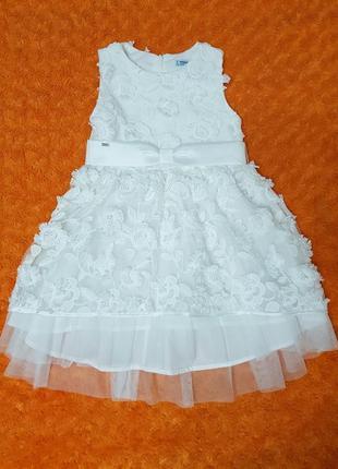 Шикарнейшее нарядное платье mayoral на 116см,