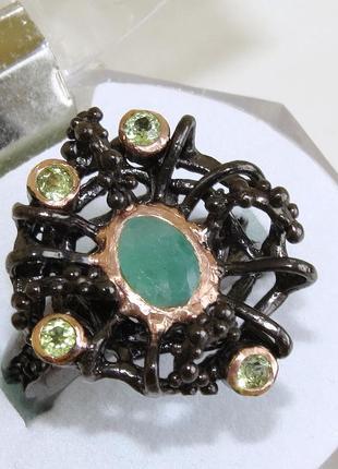 Кольцо с изумрудом, серебро 925, р.17,3