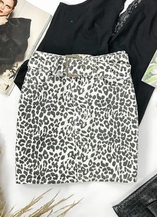 Джинсовая юбка на поясе в анималистический принт  ki1950017  prettylittlething