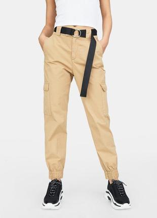 Карго брюки stradivarius