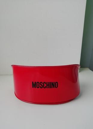 Красивий оригінальний чохол на окуляри moschino!!!