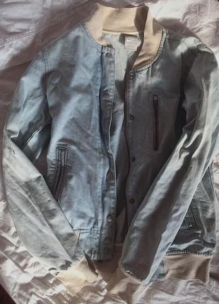 Джинсовая куртка от nike