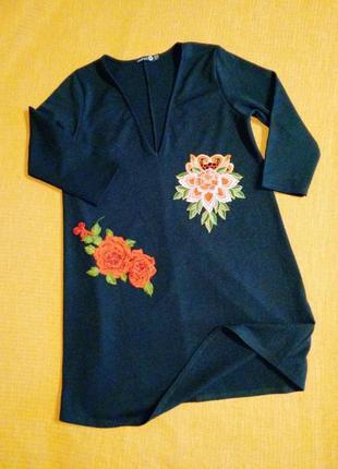 Платье миди свободного силуэта с вышивкой розы