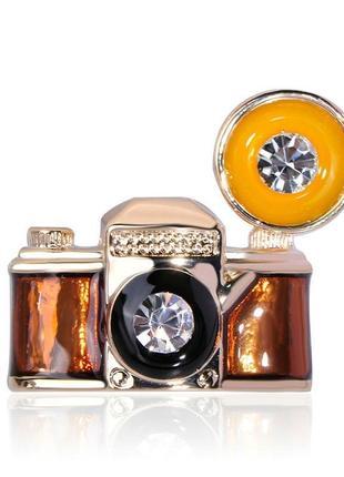 Брошь унисекс бижутерия с эмалью ретро фотоаппарат br110716 коричневая
