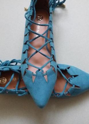 Туфли на низком каблуке, балетки, лодочки со шнуровкой