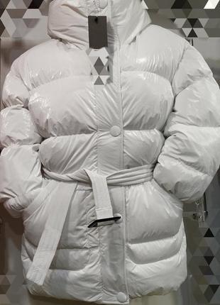 Пуховик белый,зима,размер 48,люкс качество,белоснежная!