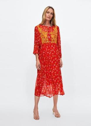 Платье миди в принт zara