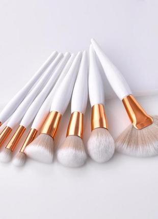 Набор красивых нежных кистей для макияжа - 8 кисточек