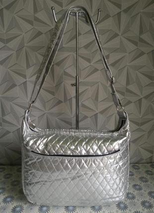 Крутая серебристая сумка