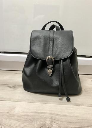 Отличный фирменный 🎒 рюкзак