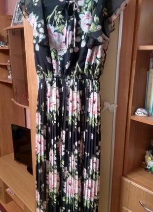 Нарядное платье (р l,  48)