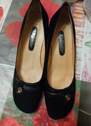 Элегантные замшевые туфли