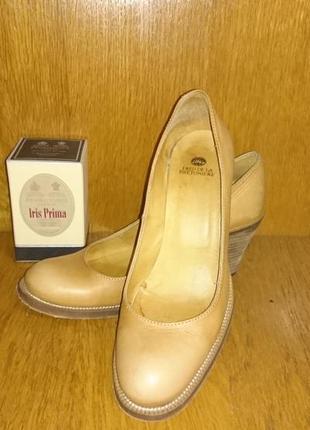Кожаные туфли лоферы fred de la bretoniere
