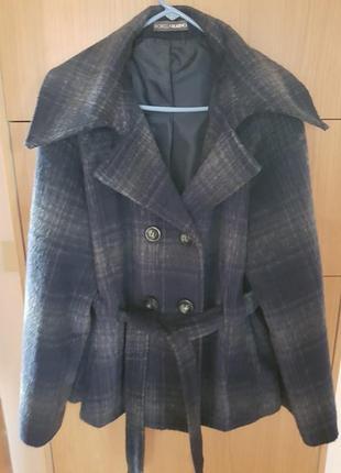 Короткое пальто fiorella rubino