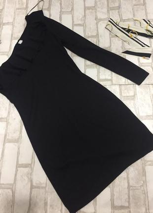 Платье на одно плечо готовимся к новому году