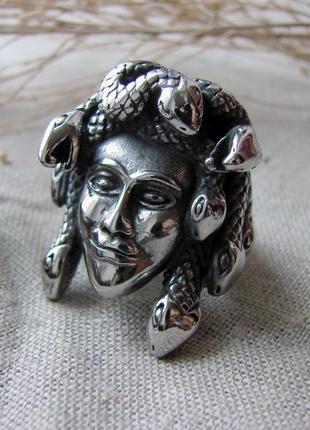 Кольцо медуза горгона. нержавеющая сталь. цвет серебро