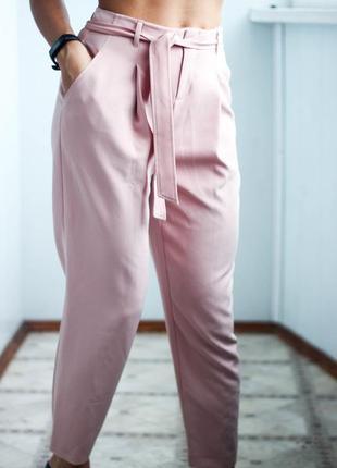 Розовые брюки с пояском размер хс