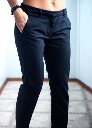 Чёрные брюки классические размер м