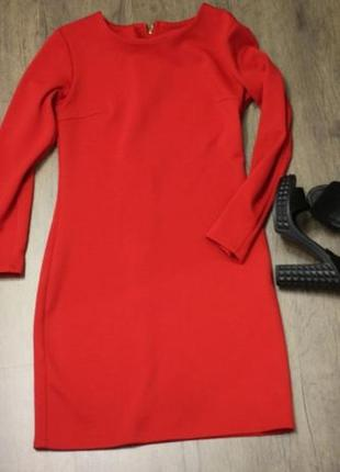 Плотное красное платье