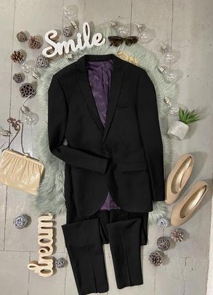 Актуальный приталенный костюм с брюками №5max