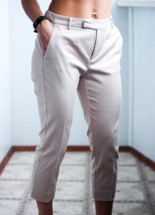 Укороченные брюки бежевого цвета размер м