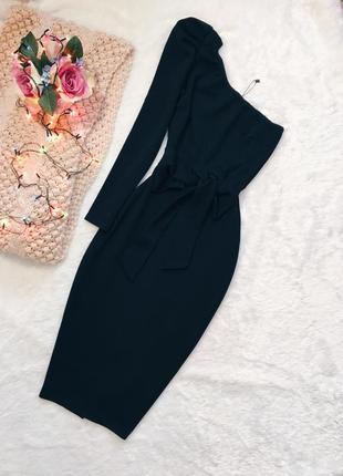 Черное вечернее платье с рукавами с бантом