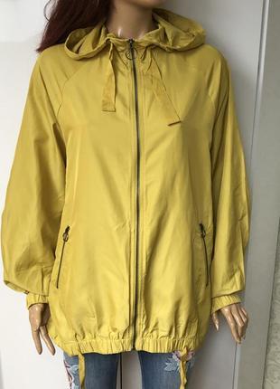 Стильная лимонная куртка zara