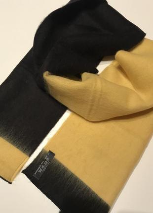 Стильний і  теплий шарф .франція