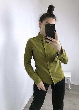 Плотная рубаха lacoste, материал по типу поло.