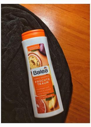 Вітамінний шампунь з фруктовим комплексом для сухого і пошкодженого волосся, 500 мл.
