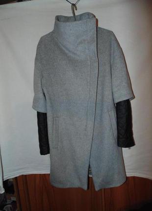 Пальто шерстяное zara оригинал в идеальном состоянии размер м
