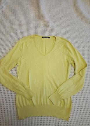 Желтый качественный пуловер с v-образным вырезом хлопок и шелк от woolovers