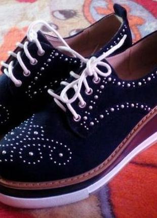 Продам новые женские ботинки р. 37