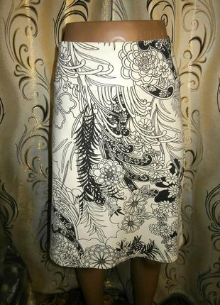Очень красивая юбка с цветочным принтом
