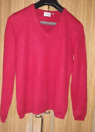 Із кашемвру і шовку гарненький якісний светрик