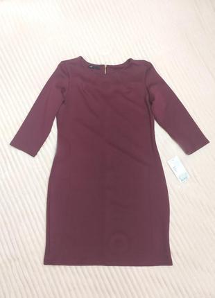 Стильное бордовое платье на все случаи жизни