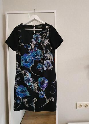 Женское платье футляр черное цветочный принт офисный стиль