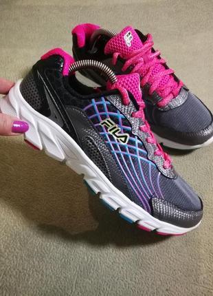 Fila,фирменные женские кроссовки