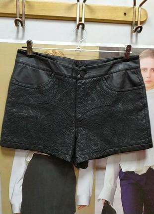Кожаные шорты с апликацией(экокожа)