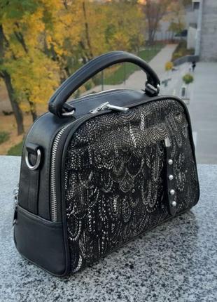 Кожаная стильная сумочка