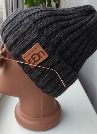 Новая стильная шапочка (на флисе), темно-серая