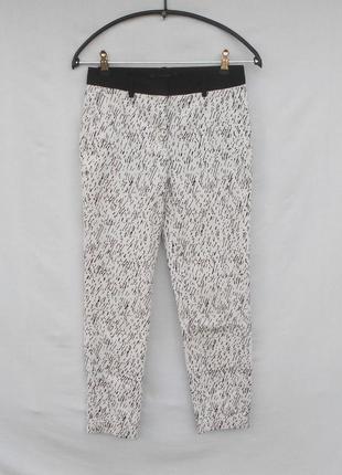 Классические брюки в принт zara