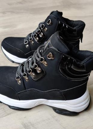 Зимние кроссовки на меху ботинки navigator черного цвета