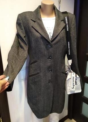 Стильный длинный пиджак жакет серо-черный из натуральной шерсти